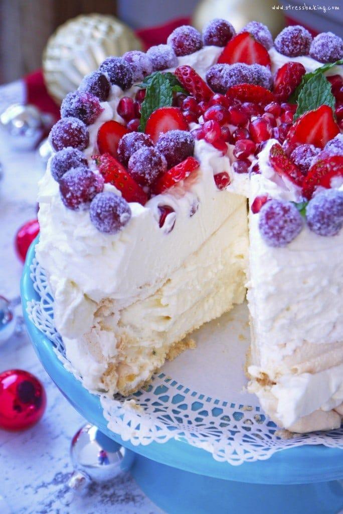 Pavlova with Mascarpone Whipped Cream