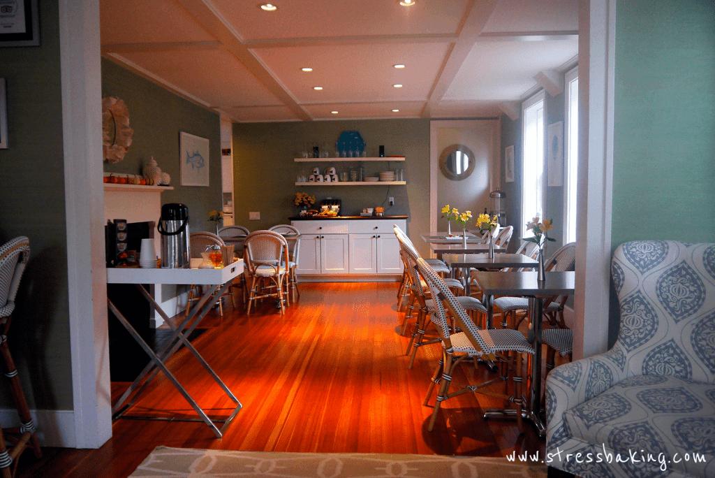 Regatta Inn dining room