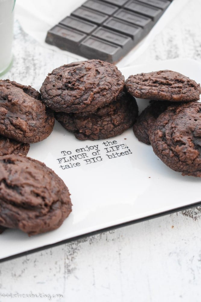 Brownie Cookies: The perfect combination of brownie and cookie! Crisp and crackly on the outside, chewy and fudgy in the middle with an indulgent dark chocolate flavor. | stressbaking.com
