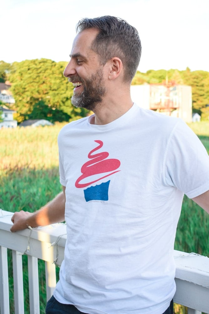 Cupcake Love Next Level tee shirt   stressbaking.com