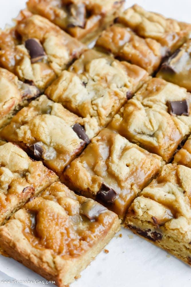 Chocolate Chunk Butterscotch Blondies | stressbaking.com