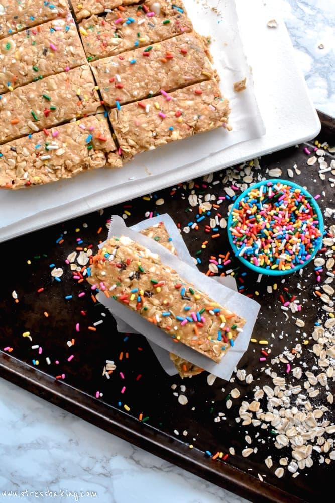 Chewy Funfetti Granola Bars